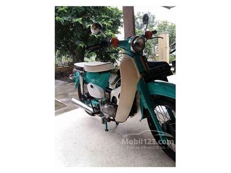 Honda C70 Thn 70 Mulus jual motor honda c70 1980 0 1 di jawa timur manual hijau