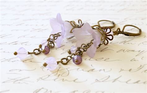 how to make lucite jewelry violet lucite flower earrings sahetah s jewelry