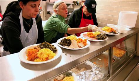 Yorkville Pantry by 7 Opportunities To Volunteer Give Back This Thanksgiving