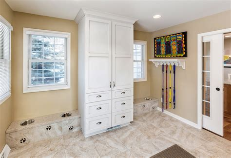 Cabinet Racine by Racine Mudroom Addition For Dogs Sj Janis