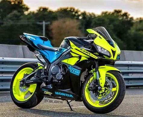 25 best ideas about cbr on honda cbr 1000rr honda sport bikes and honda cbr 600
