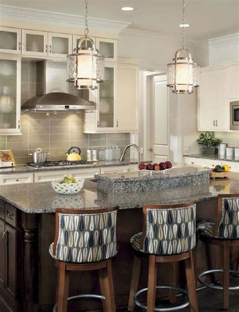 Island Kitchen Lighting Fixtures Cuisine De Style Transitionnel Avec Suspendus Transitional Kitchen With Pendants