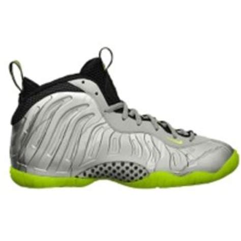 foot locker youth basketball shoes basketball shoes foot locker from foot locker