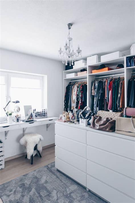 begehbarer kleiderschrank best 25 dressing table ideas on dressing