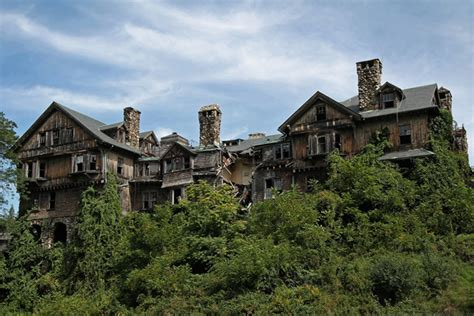 cool abandoned places we hope you love these 25 beautiful creepy abandoned places