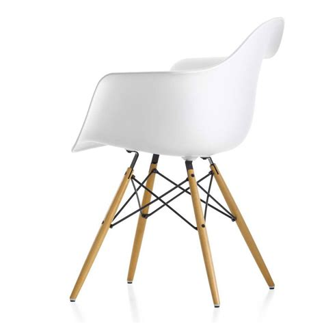 Vitra Dining Chairs Vitra Eames Daw Dining Chair