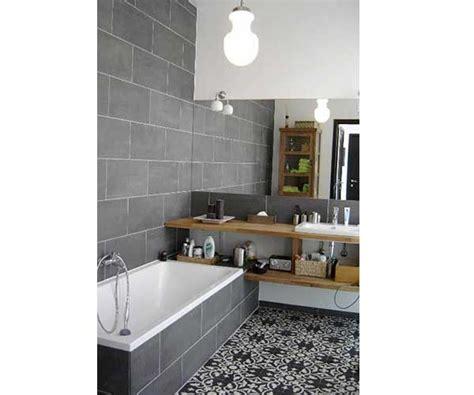 Merveilleux Pose Carrelage Mural Cuisine #4: carreaux-de-ciment-motifs-traditionnels-dans-salle-de-bain-grise.jpg