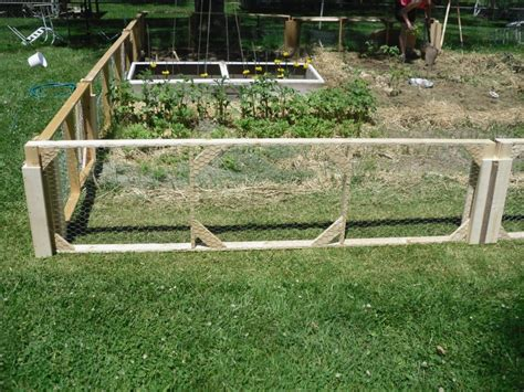 fencing ideas for small gardens garden fence pictures and ideas