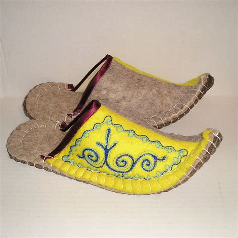 Handmade Mens Slippers - new kyrgyz felt wool handmade slippers house shoes womens