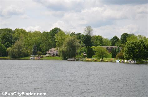boats for sale carmel indiana woodland springs waterfront carmel homes on woodland lake
