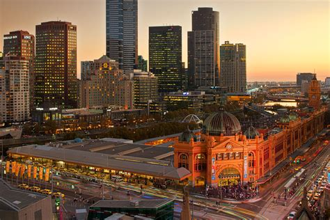 design competition melbourne flinders street station to be repainted in its original