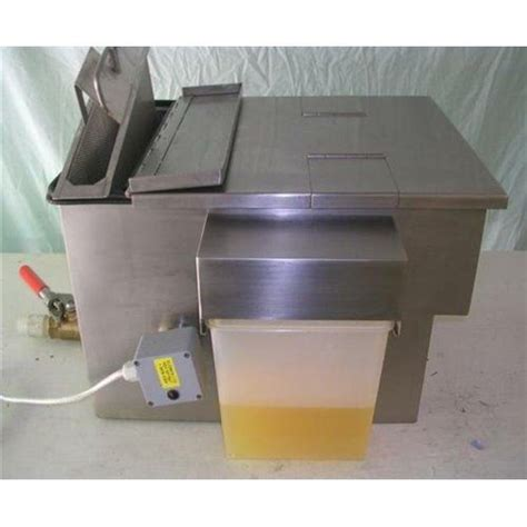 grease traps commercial kitchens restaurant equipment goslyn grease trap 4 gal per minute quot goslyn quot grease