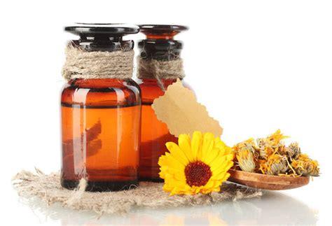 kegunaan  manfaat kesehatan minyak calendula