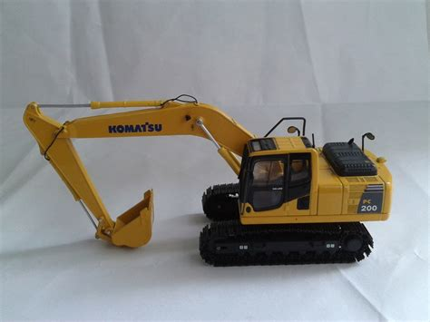 Bunchem 200 Pcs 1 1 50 komatsu pc200 8 excavator in diecasts vehicles from toys hobbies on aliexpress