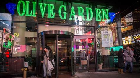 m olive garden hours breadsticks the tour of italy and knife fights secrets of olive garden revealed