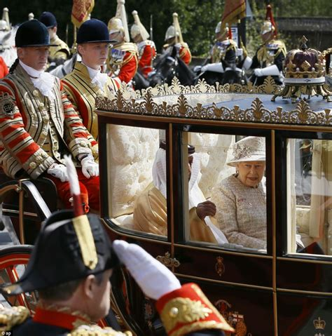 emirates queen queen greets united arab emirates president at windsor