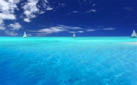 blue waves in motion 4k relaxing screensaver youtube 4k ultra high definition relaxation quot a boat beneath a