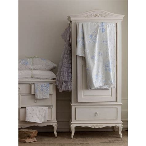 25 best ideas about shabby chic photography on pinterest photo booth setup vintage ideas and
