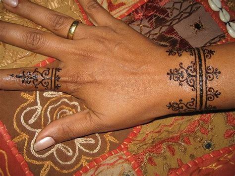 great swirls hand henna ring henna bracelet