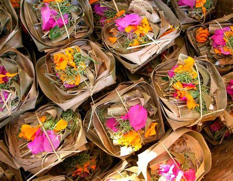 Tali Rami Bali fiori a bali oltre il velo