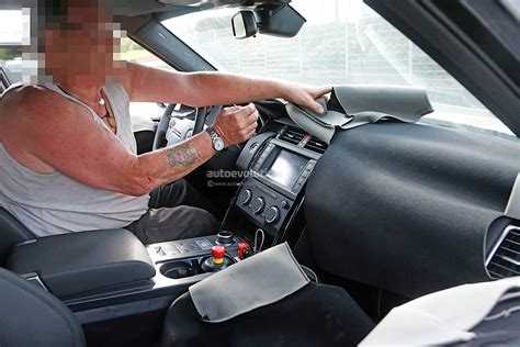 new land rover discovery interior 2018 land rover discovery spyshots bring first glimpse of