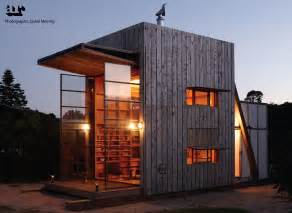 Contemporary Tiny Houses Tiny Modern Seaside Hut Built On Sled So That It Moves