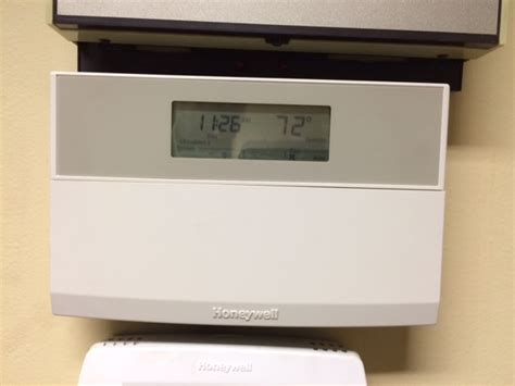 Does The Thermostat Honeywell Environmental Control 97