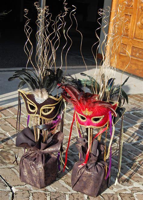 masquerade mask centerpiece ideas ideas for throwing a mardi gras masquerade diy