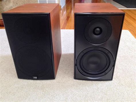 canton le 120 bookshelf speakers