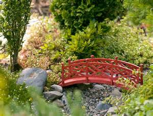 Building A Garden Trellis gardening in miniature win a miniature garden kit plus a