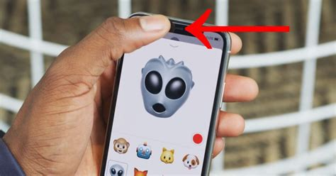 why do the iphone x s animoji work when you cover id s sensors