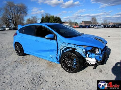wrecked ford focus rs   salvage title  surprisingly