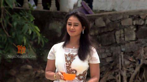 mrunal dusanis marathi actress photos wallpapers biography mrunal dusanis marathi actress biography hd photos wallapers