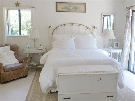 Shabby Chic Bedroom Decorating Ideas by White Shabby Chic Bedroom Decor Ideasdecor Ideas
