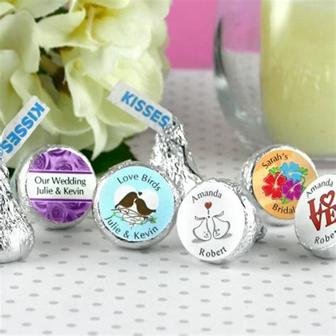Customized Wedding Giveaways - what are the most common wedding favors