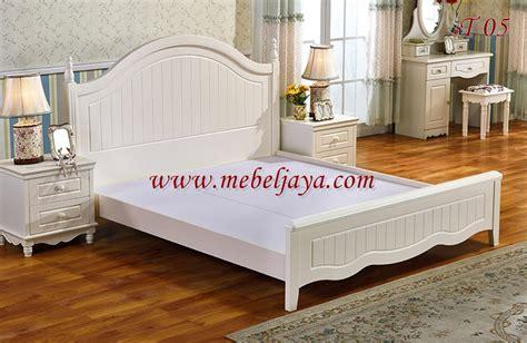 Ranjang Kayu Biasa tempat tidur kayu alisa i cv jepara mebel jaya jepara