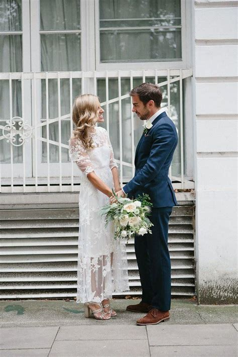 Casual Backyard Wedding Dresses by Best 25 Casual Wedding Gowns Ideas On