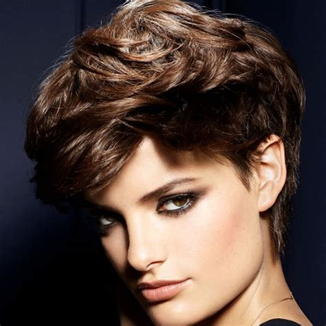 the most preferred pixie haircuts for short hair models in