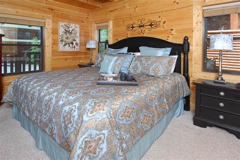 starry night bedroom starry starry night 2 bedroom cabin rental in pigeon forge tn
