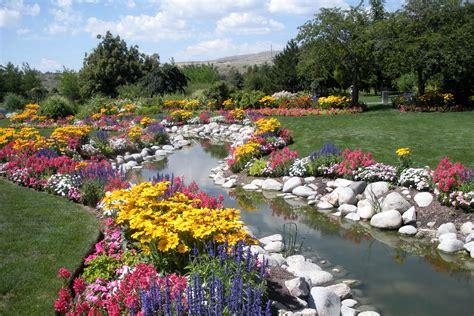 flower gardens pictures