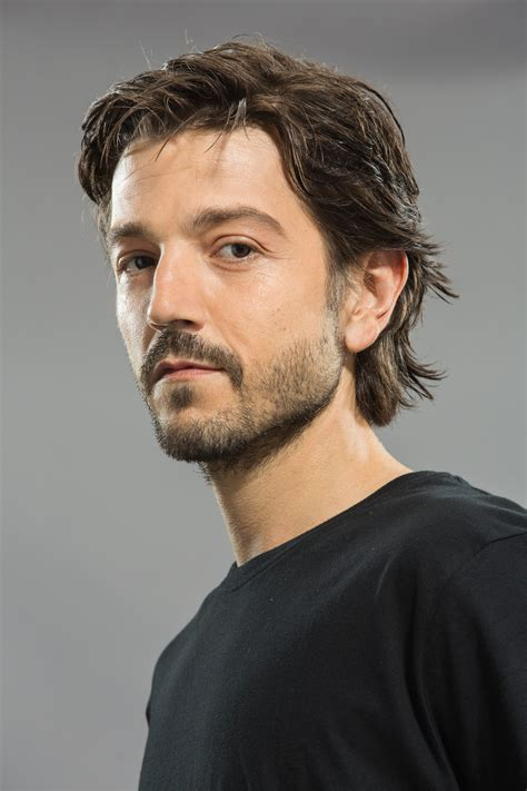 diego luna review diego luna added to scarface remake nothing but geek