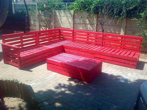 Superb Pallet Patio Furniture Set 101 Pallets Diy Outdoor Patio Furniture