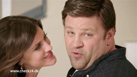 2 Unvergleichliche Familien Schauspieler by Check24 Check24 2 Unvergleichliche Familien Lena Auf