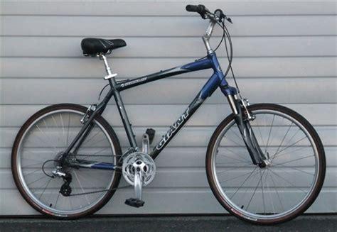 giant comfort bike reviews 21 quot large giant sedona dx 24 speed comfort commuter bike 5
