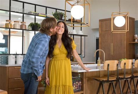 how to contact joanna gaines you won t believe the negative backlash against chip and