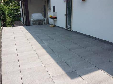 piastrelle terrazzo esterno foto di pavimento in gres grande spessore su terrazzo with