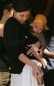 Maggie Gyllenhaal Breastfeeds In by Maggie Gyllenhaal Babies Babies And