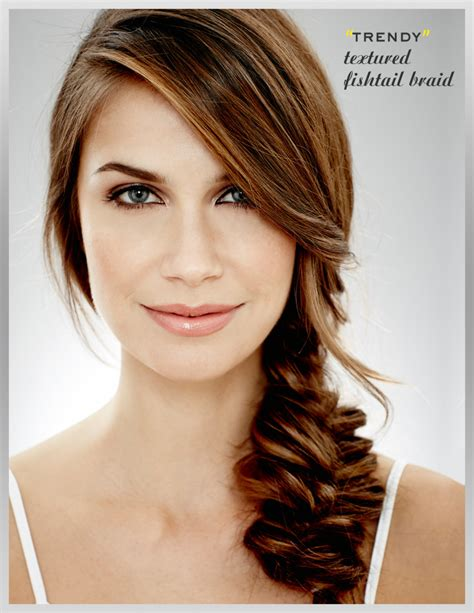 Trending 2015 Hair Trends For Wavy Textured Hair | hairstyle trends 2016 2017 best bouncy curls updos