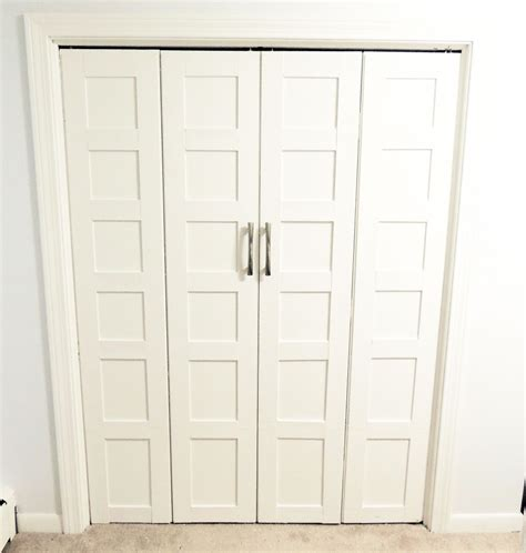Bedroom Closet Doors Fascinating Bedroom With White Painted Walls And White Wood Sliding Door Closet Ideas