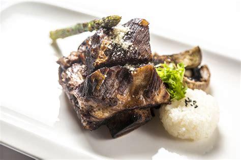 cucinare carne alla brace galbi roma cucina coreana contemporanea e bbq la